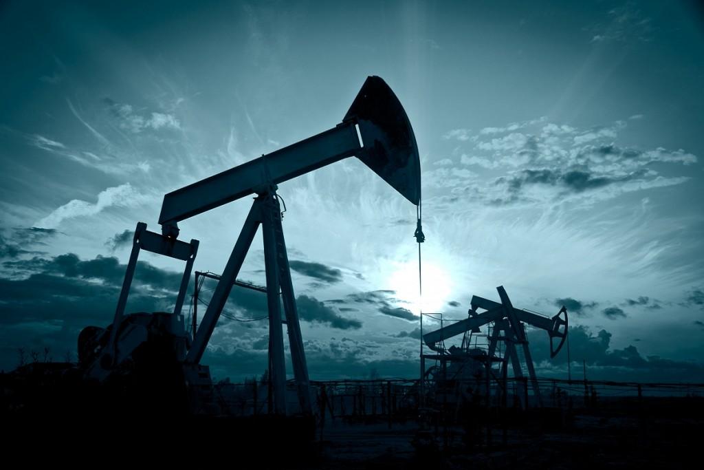 Petrol Spekülasyonlarla Yükseliyor