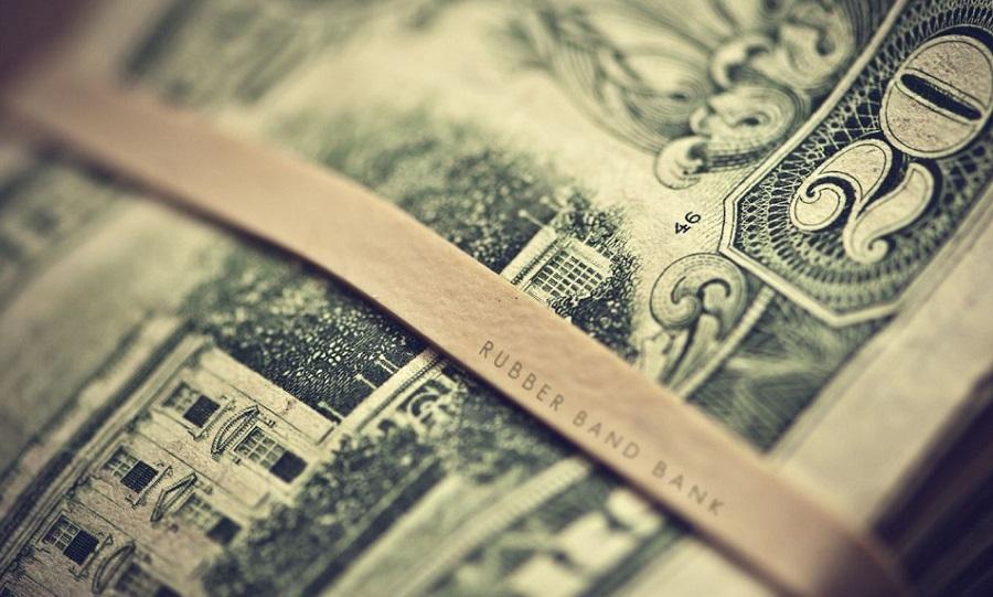 Faiz kararı öncesi Dolar 2.48 seviyesini aştı!
