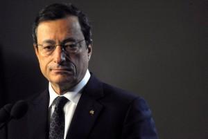 Draghi'ye göre Euro Bölgesi risk altında