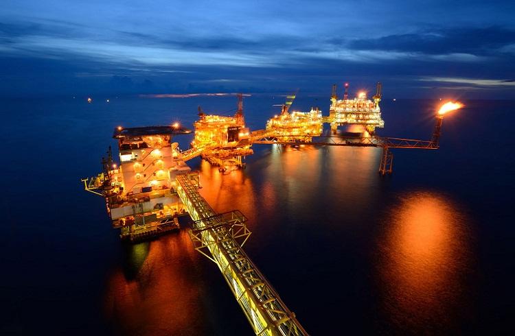 Altın ve Petrolden Yeni Rekor Gelecek mi?