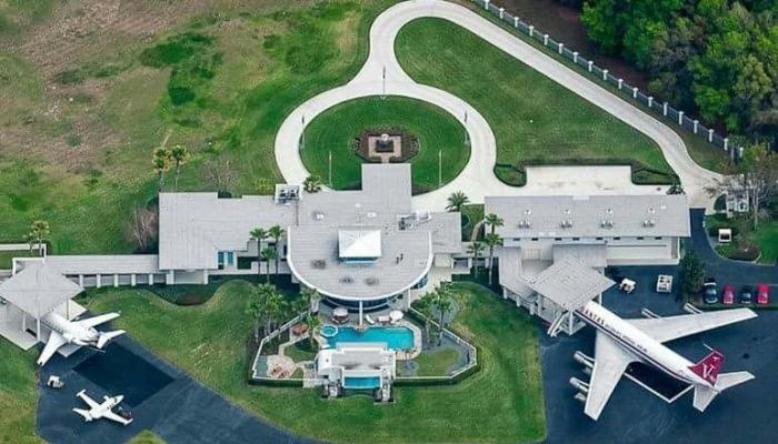 John Travolta - Fly In Florida Evi