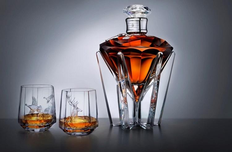 Kendi Sınıfının En Pahalı 10 Alkollü İçeceği