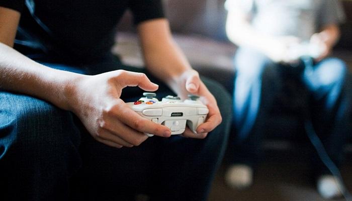 Video Oyunları Oynamak