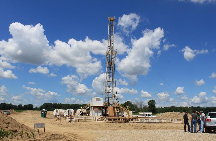 ABD Sondaj Kuleleri Petrolü Toparladı