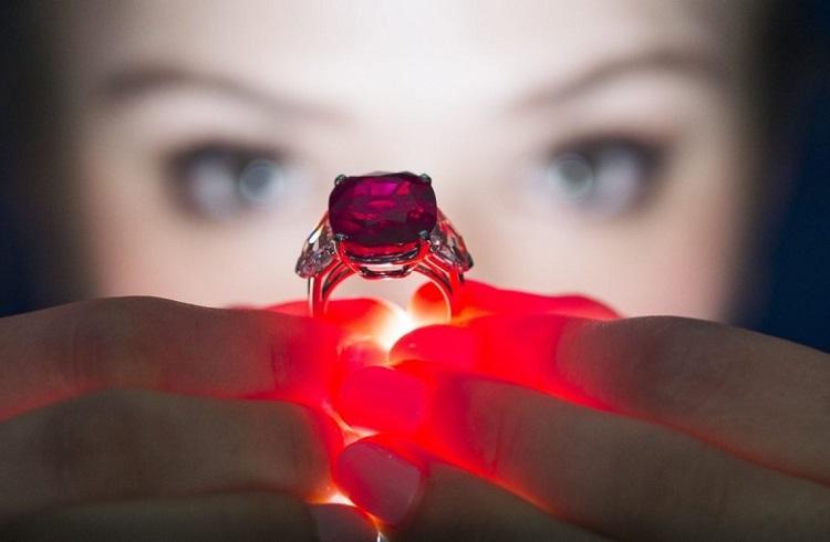 Dünyanın En Pahalı Yüzüğü Satıldı!