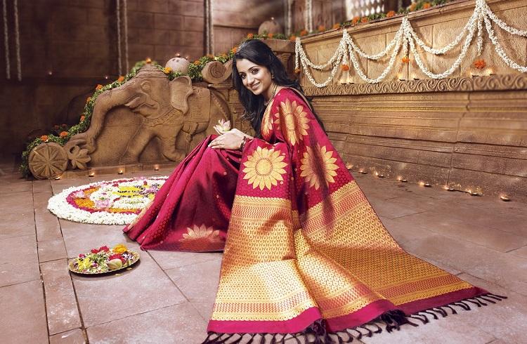 Hintli Kadınların En Pahalı Geleneksel Elbisesi