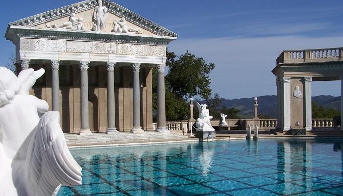 Randolph Hearst Cömert Yüzme Havuzları