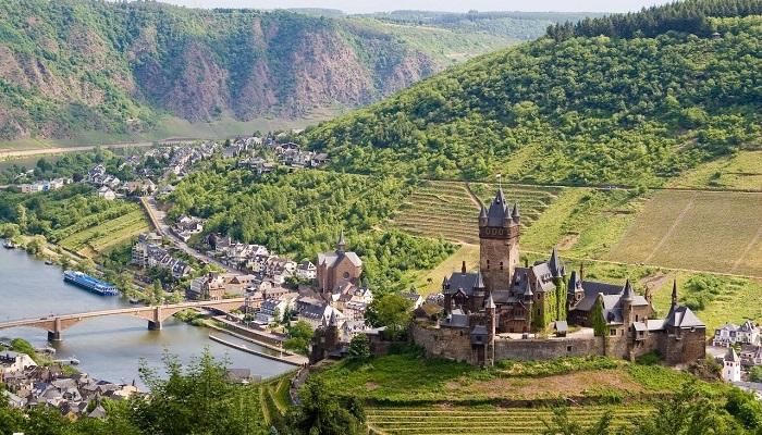 Avusturya - Almanya ve İsviçre'de Kiralık Köyler