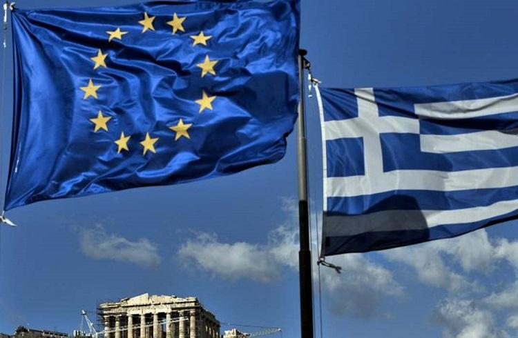 Yunanistan Euro'yu Dibe Çekiyor