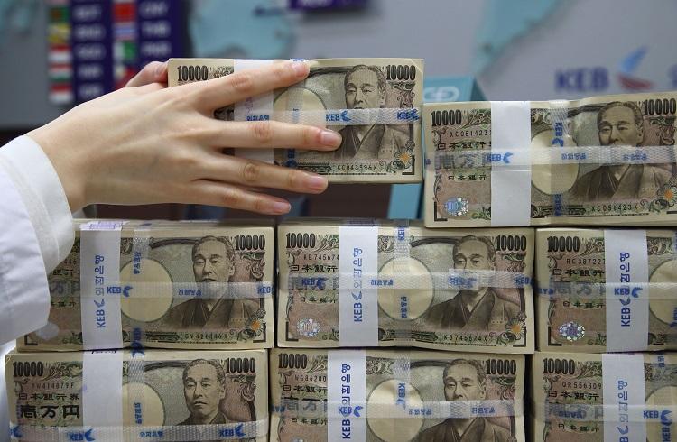 Asya Paraları Yunanistan ile Düşüyor
