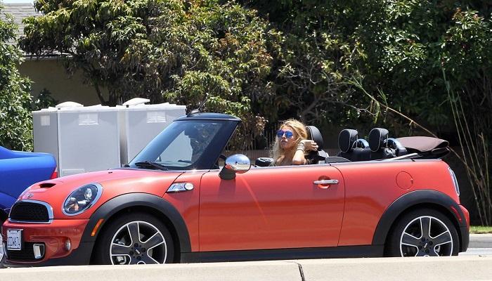 Britney Spears - Mini Cooper