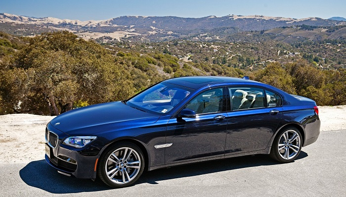 2013 BMW 760Li V-12