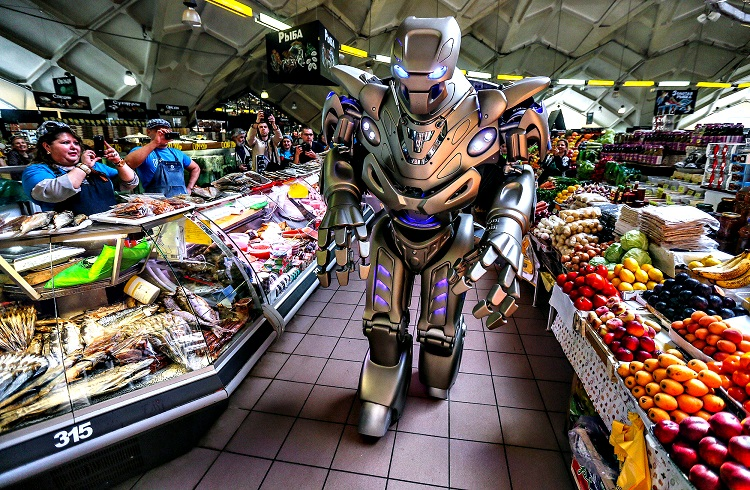 """Dünyanın En Pahalı Robotu """"Titan"""""""