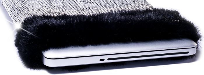 Elmaslarla Kaplı Laptop Kılıfı