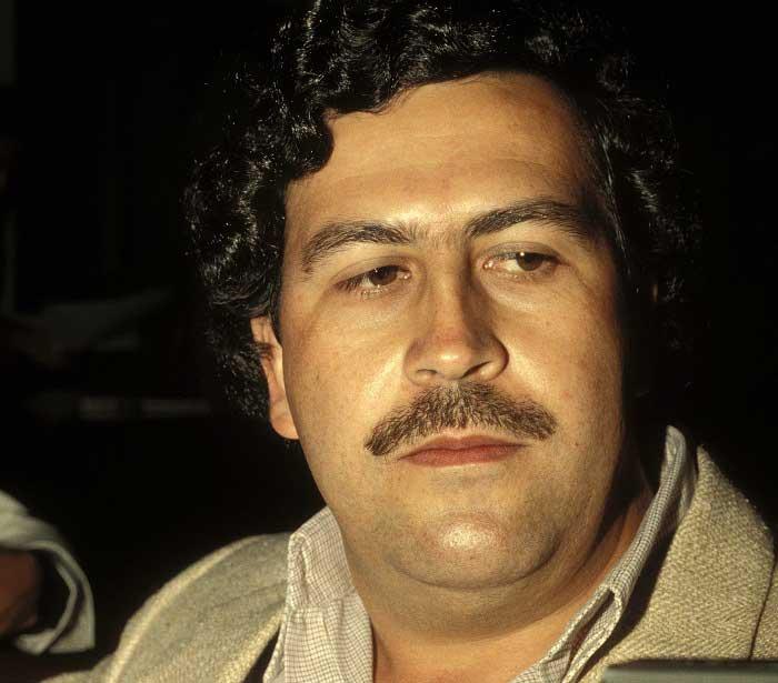 Halkın Desteğini Kaybeden Escobar!