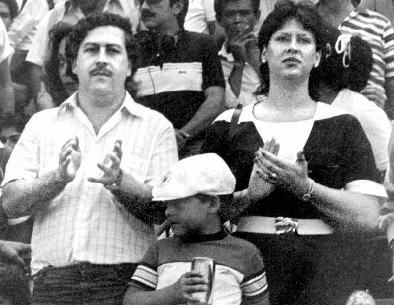 Pablo Escobar ile eşi
