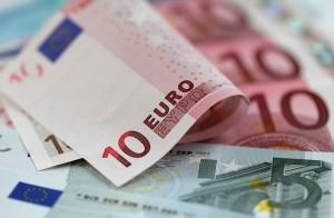 Türkiye Euro'ya Geçmeli Görüşüne Tepkiler Artıyor