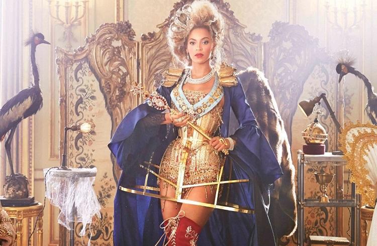 Beyonce'nin Video Klibi için Aldığı Elmas Ayakkabılar