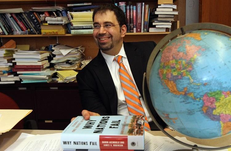 """Dünyanın En Önemli Ekonomisti: """"Daron Acemoğlu"""""""