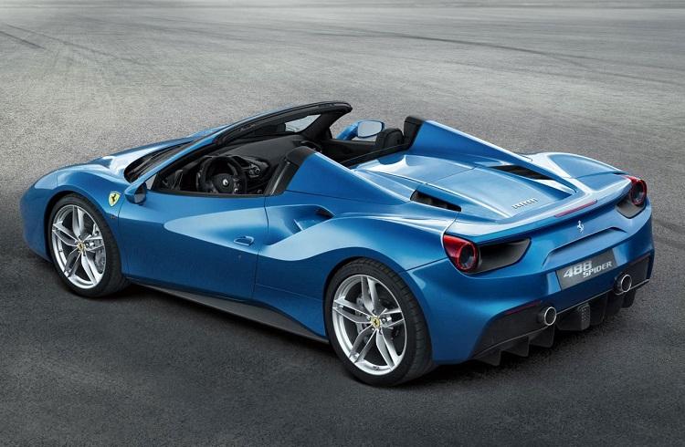 """Ferrari'nin En Yeni Süper Spor Modeli: """"488 Spider"""""""