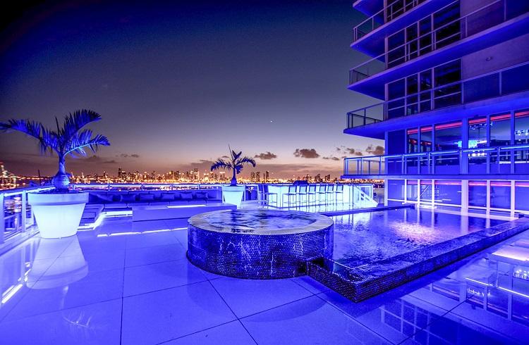 """Miami'de Muazzam Bir Malikane """"Penthouse Villa B"""""""