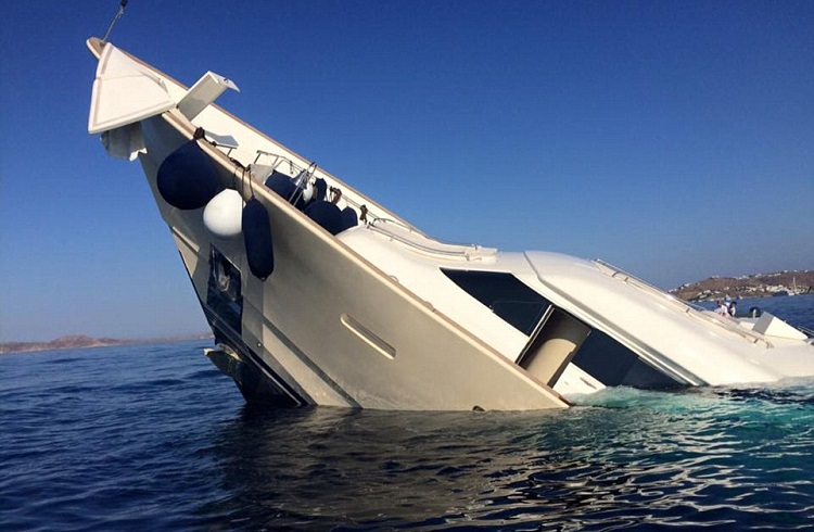 Mykonos Kıyılarında Batan Milyon Dolarlık Süper Yat