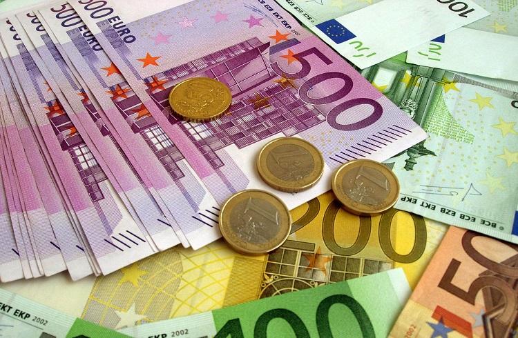 Uzmanlara Göre Euro Düşmekten Kurtulamayacak