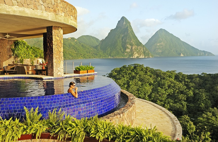 Yurt Dışında Yaz Tatili için 10 Mükemmel Otel