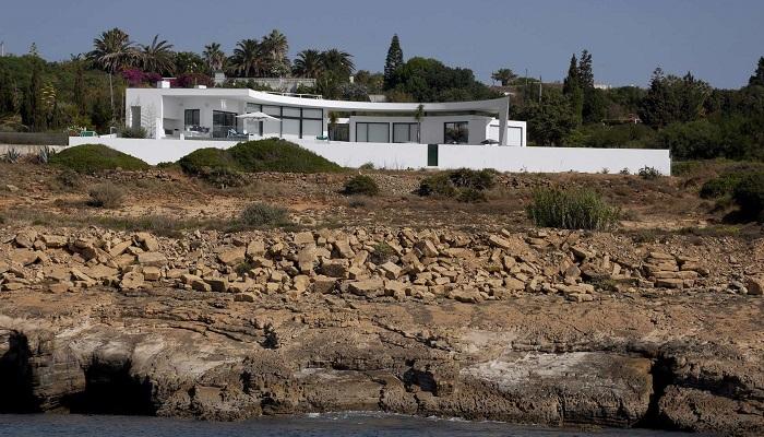 Colunata House'nin Sıra Dışı İç ve Dış Tasarımı