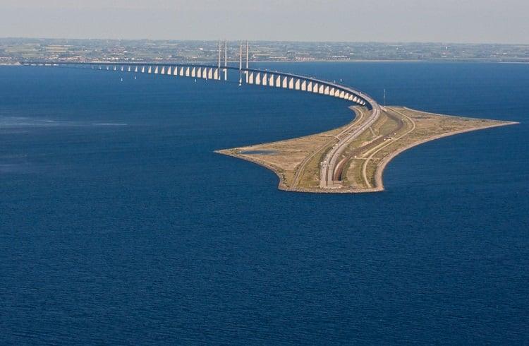"""İsveç ve Danimarka'yı Birbirine Bağlayan Muhteşem Tasarım: """"Öresund Köprüsü"""""""