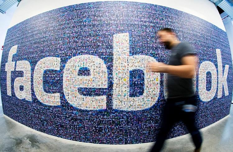 """Facebook Çalışanlarının Kurduğu Gizli Grup: """"The Nouveau Riche 250"""""""
