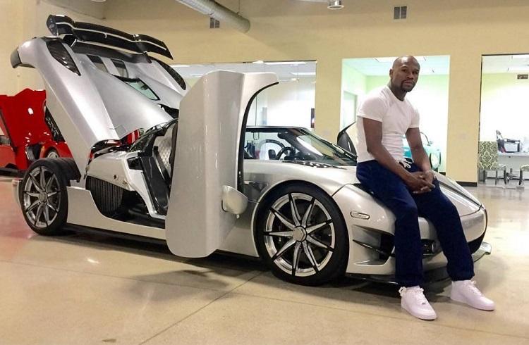 """Floyd Mayweather'in Milyonluk Yeni Aracı: """"Koenigsegg CCXR Trevita"""""""