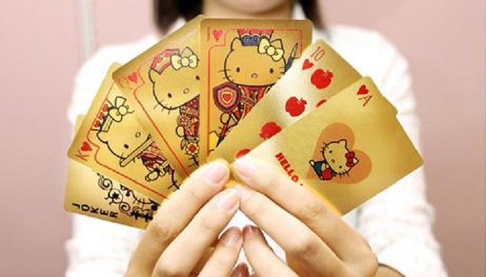 Hello Kitty Altın Oyun Kartları