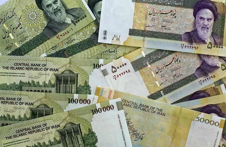 İran Para Biriminde Değişikliğe Gidiyor