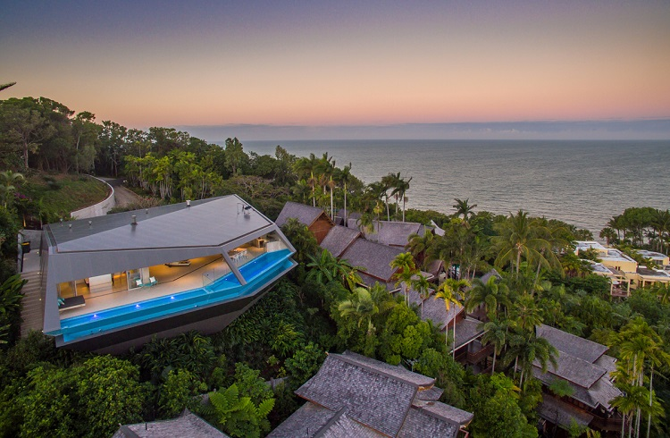 """6.5 Milyon Dolara Satışa Çıkartılan Ödüllü Bir Villa: """"The Edge"""""""