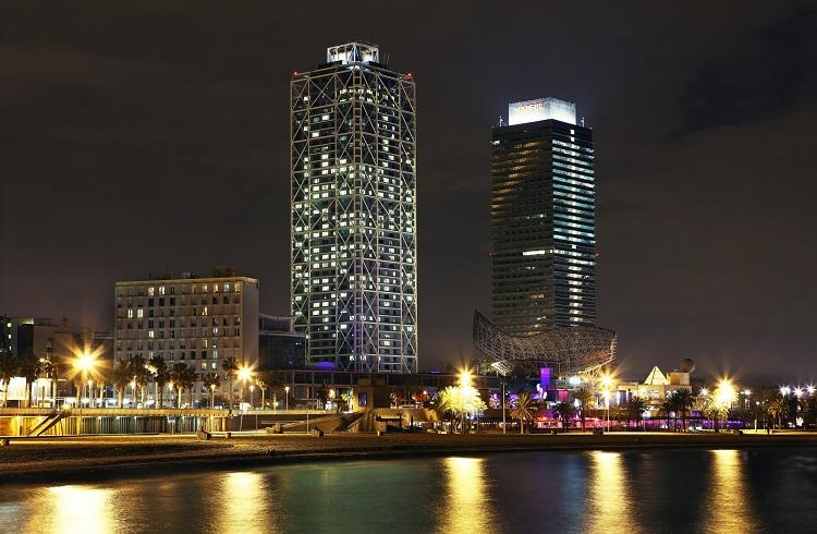Çelik Heykel Görünümlü Lüks Hotel Arts Barcelona