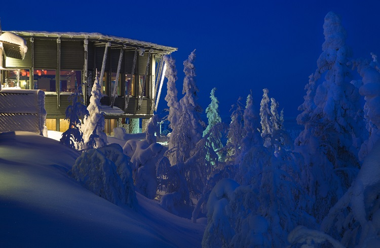 """Finlandiya'daki Tasarım Harikası Kayak Merkezi: """"Eagles View Suite"""""""