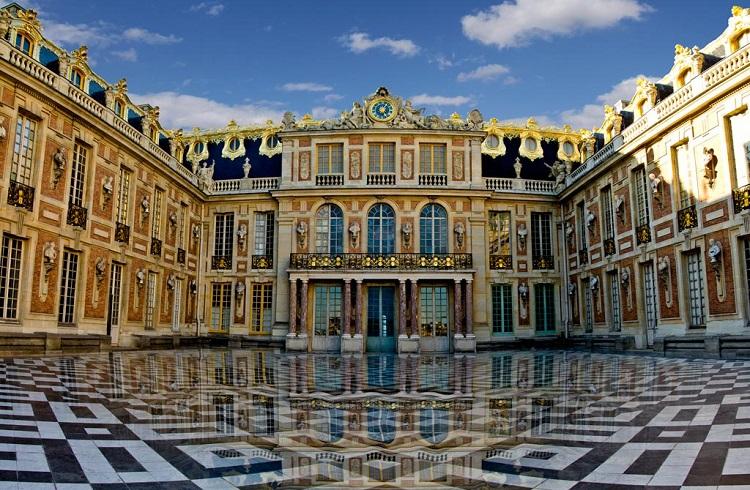 Versay Sarayı'nda Faaliyete Geçecek Olan Lüks Otel