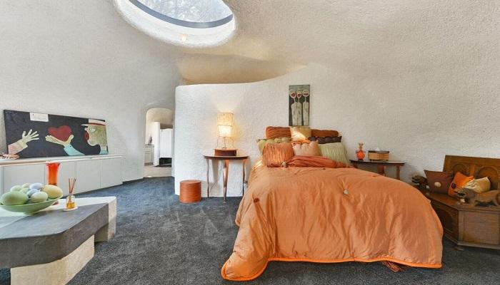 William Nicholson Tarafından Tasarlanan Flintstone House Yatak Odası