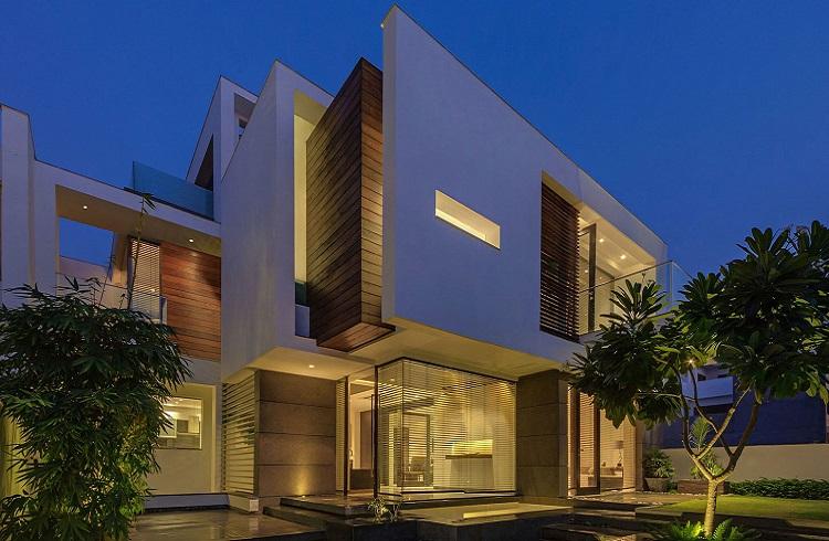 """Yeni Delhi'den Modern Mimariye Açılan Kapı: """"Overhang House"""""""