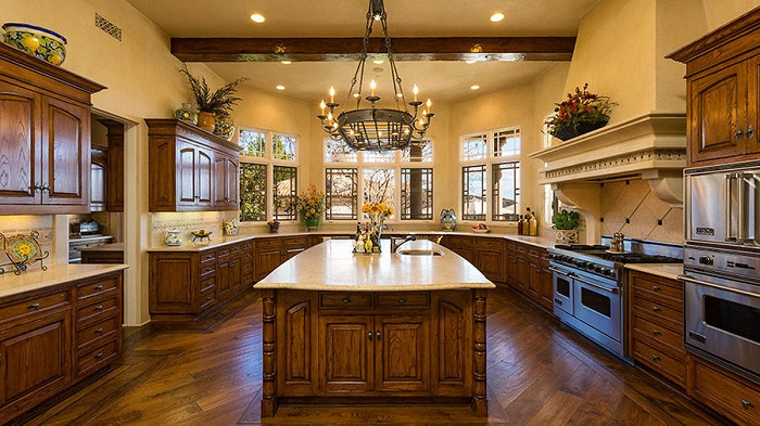 Britney Spears'ın Thousand Oaks Şehrindeki Yeni Sarayı Mutfak
