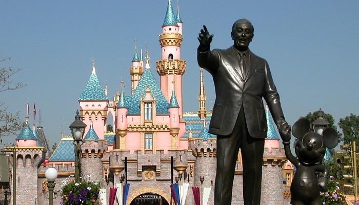 Disneyland Projesi ve Başarısı