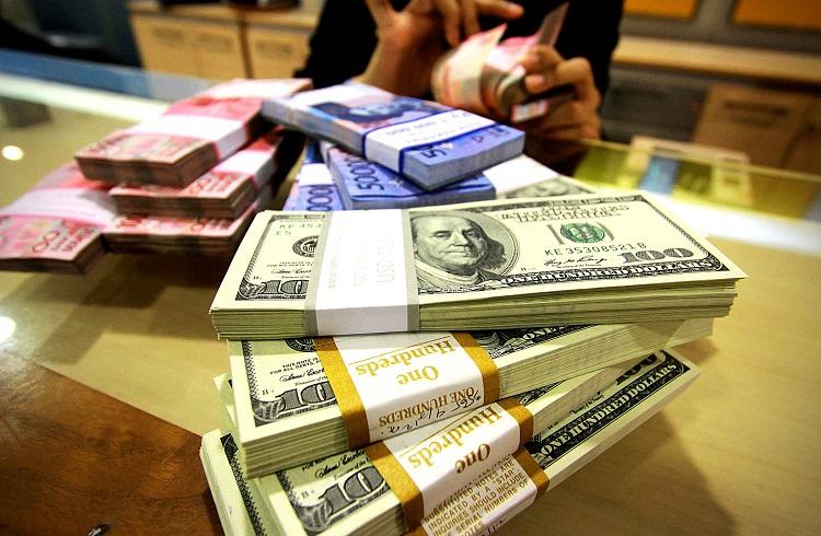 Dolar 10 Yılın Zirvesinden Düşüşe Geçti