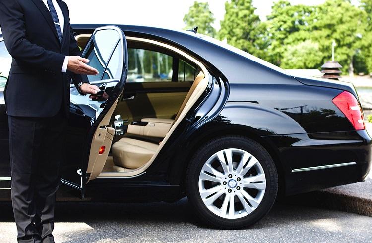 Dünyanın En Zengin İsimlerinin Tercih Ettiği Arabalar