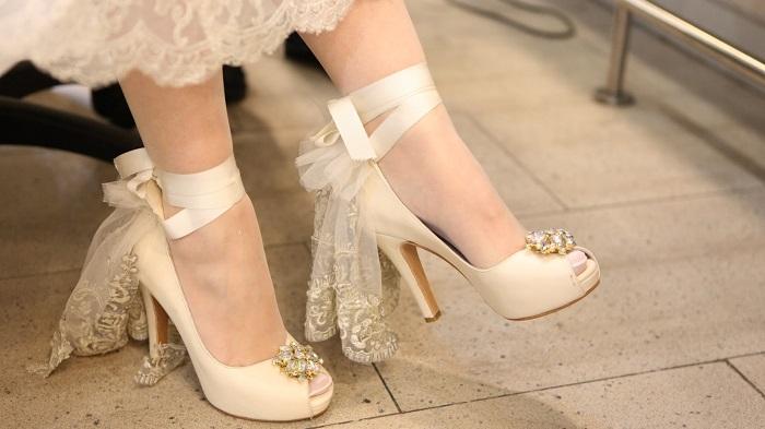 Gelin Ayakkabıları Tasarlayarak Para Kazanmak