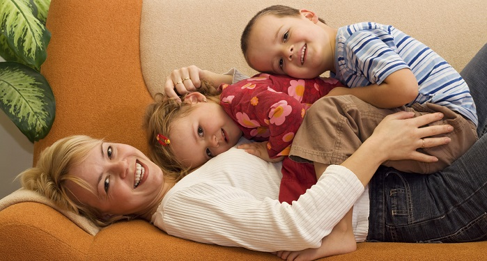 Kendi Evinizde Bebek-Çocuk Bakıcılığı Yaparak Para Kazanmak