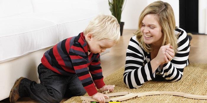 Kimler Çocuk ve Bebek Bakıcılığı Yaparak Para Kazanabilir?