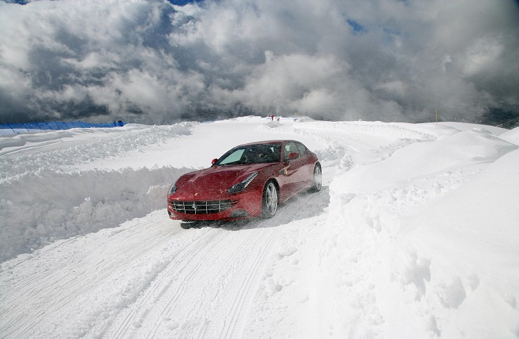 Kış Mevsiminin Tadını Doyasıya Çıkaracağınız 10 Lüks Araba
