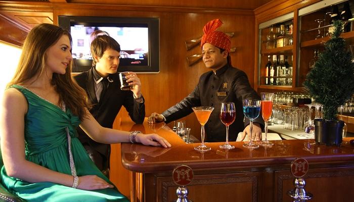 Maharajas Express Lüks Tren Yolculuğu Bar