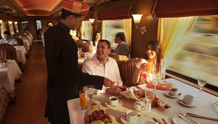 Maharajas Express Lüks Tren Yolculuğu Restoran